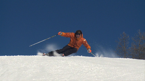 Darren Turner carving turns on the piste
