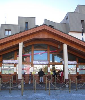 Lift pass office at Les Deux Alpes