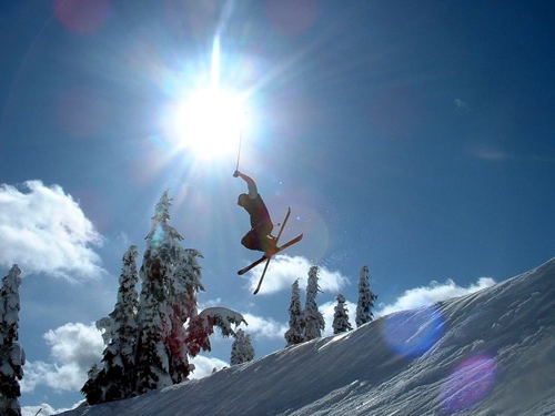 Freestyle skiing trick