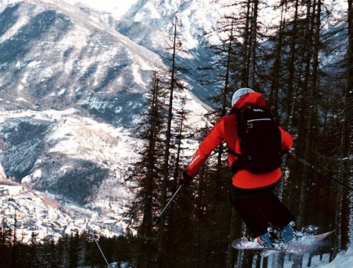 Rob flying down the slopes of Serre Chevalier