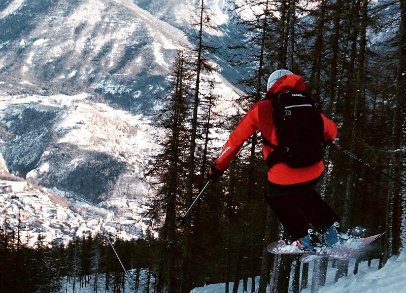Rob Stewart skiing