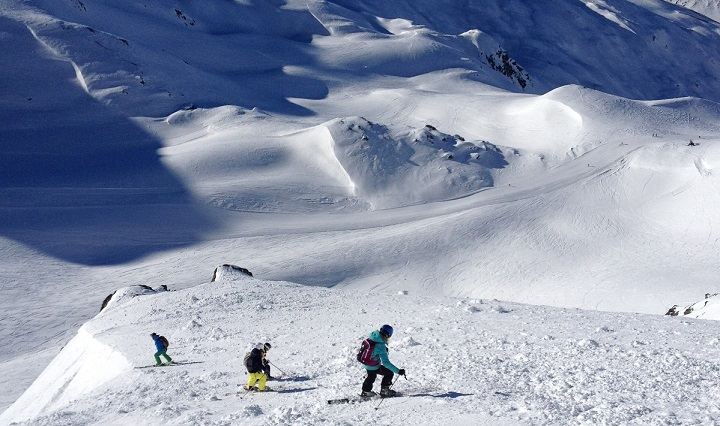 Some steep off-piste on the Gemstock Mountain